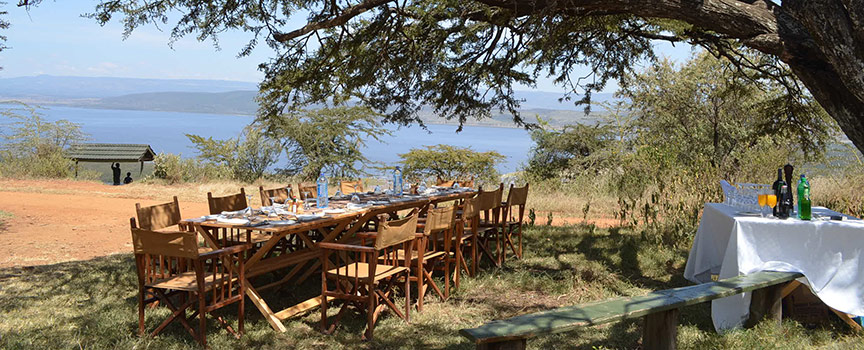 Mbweha Camp outdoor dining