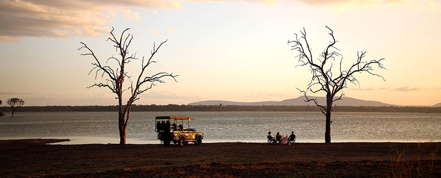 Siwandu sundowners on the shores of lake Nazerakera